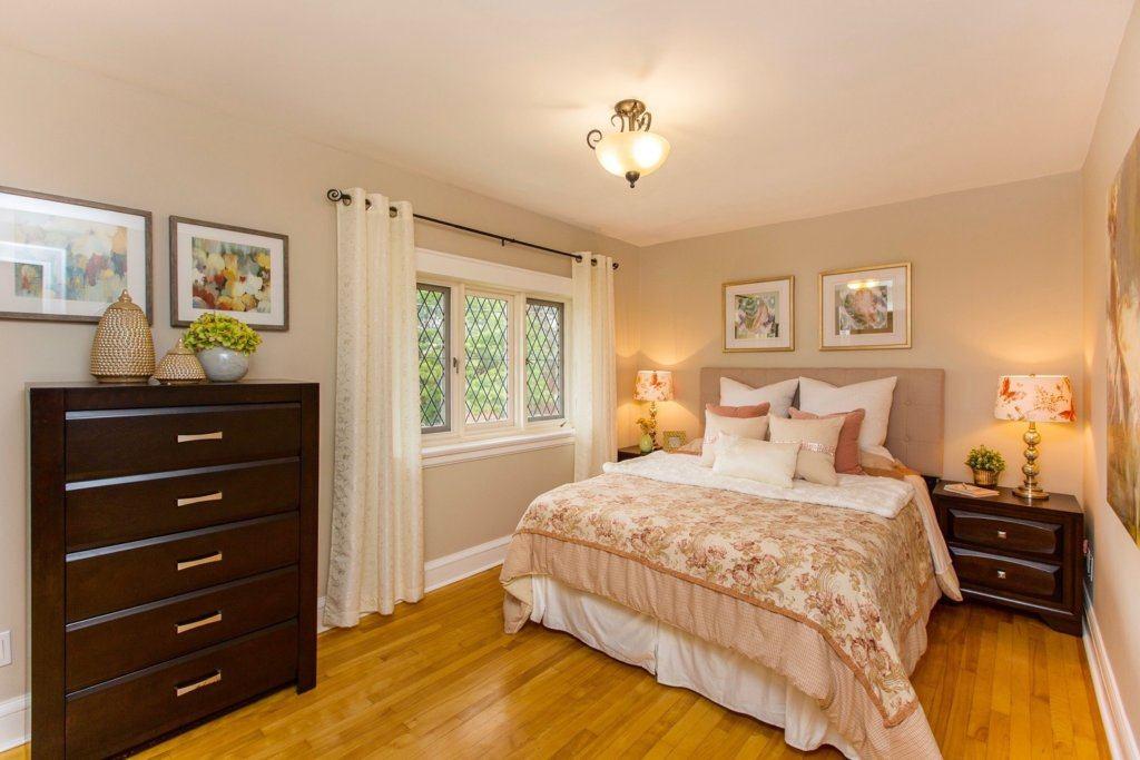 Bedroom Staging Design, home staging, staging, home stager, Ottawa Home Stager, Ottawa Home Staging Company, Total Home, yourtotalhome, bedroom, master bedroom, master suite