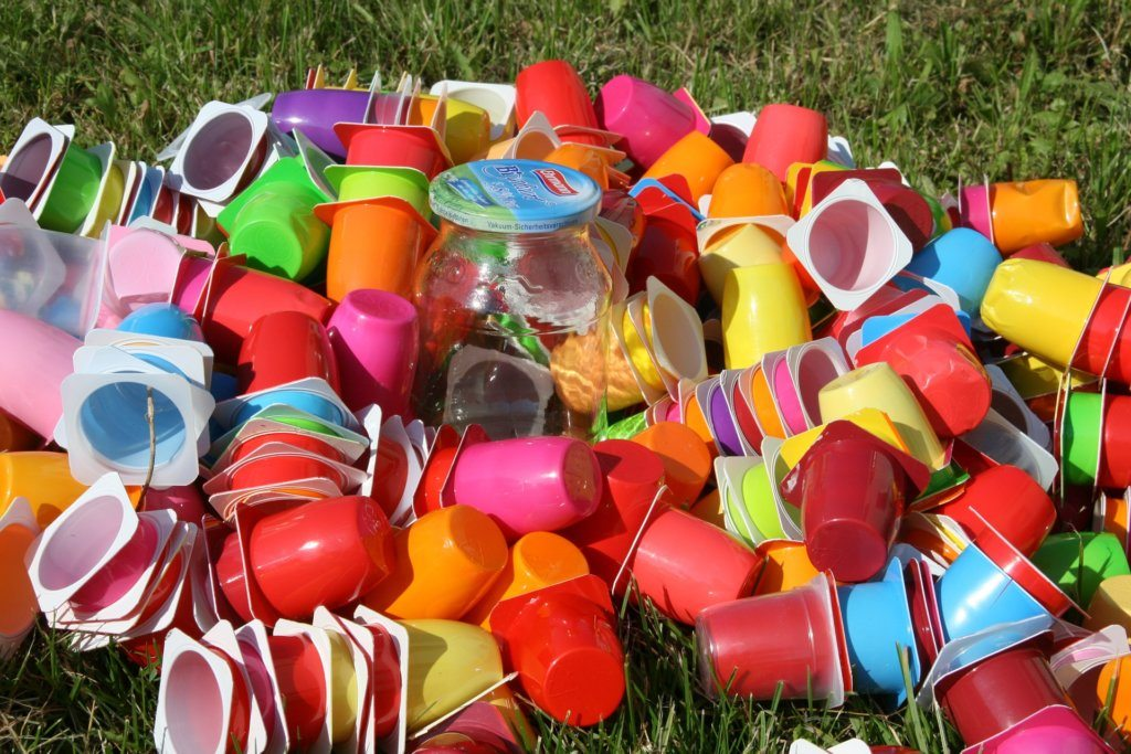 yogourt containers, plastic, containers, plastic containers, garbage, cleaning, cleaning your house, total home